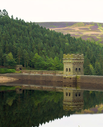 Picture of the Howden Dam viewed from a Tiger Moth